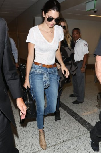 Celebrities-Wearing-Jeans-White-T-Shirt